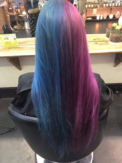 Волосы покрашены в 2 цвета