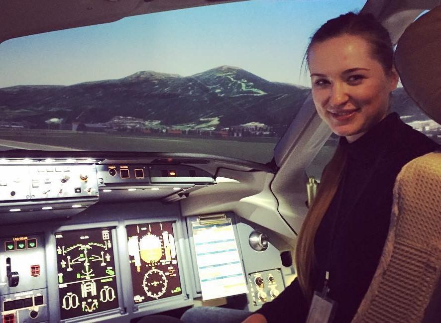Instagram 23-летней пилотессы «Аэрофлота», которая летает на Sukhoi Superjet