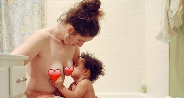 Фотограф очень откровенно рассказала о материнстве и кормлении грудью
