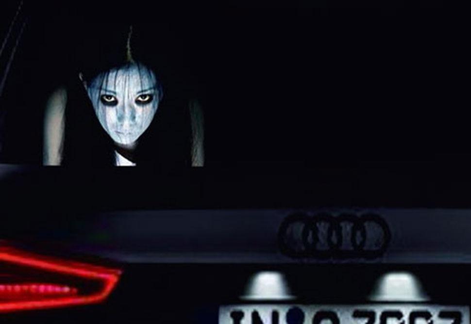 В Китае придумали стикеры на машины, чтобы проучить любителей ослеплять дальним светом
