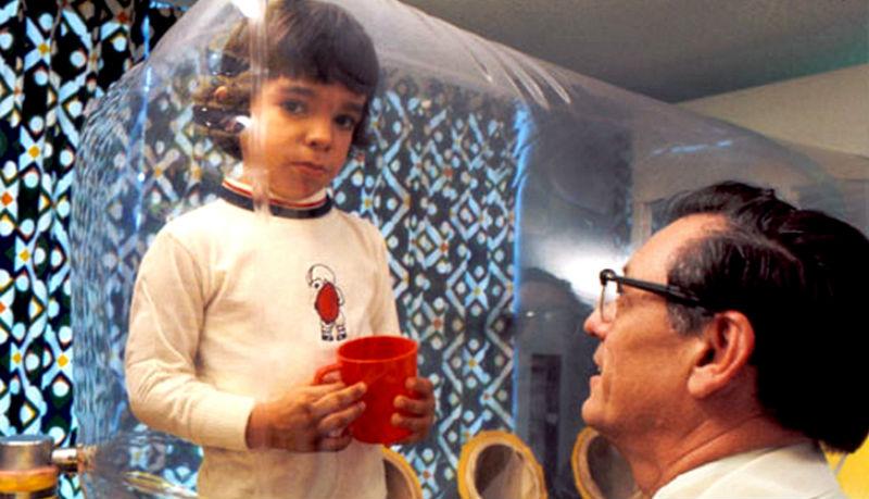 Мальчик в пузыре: дюжина лет в ожидании смерти фото
