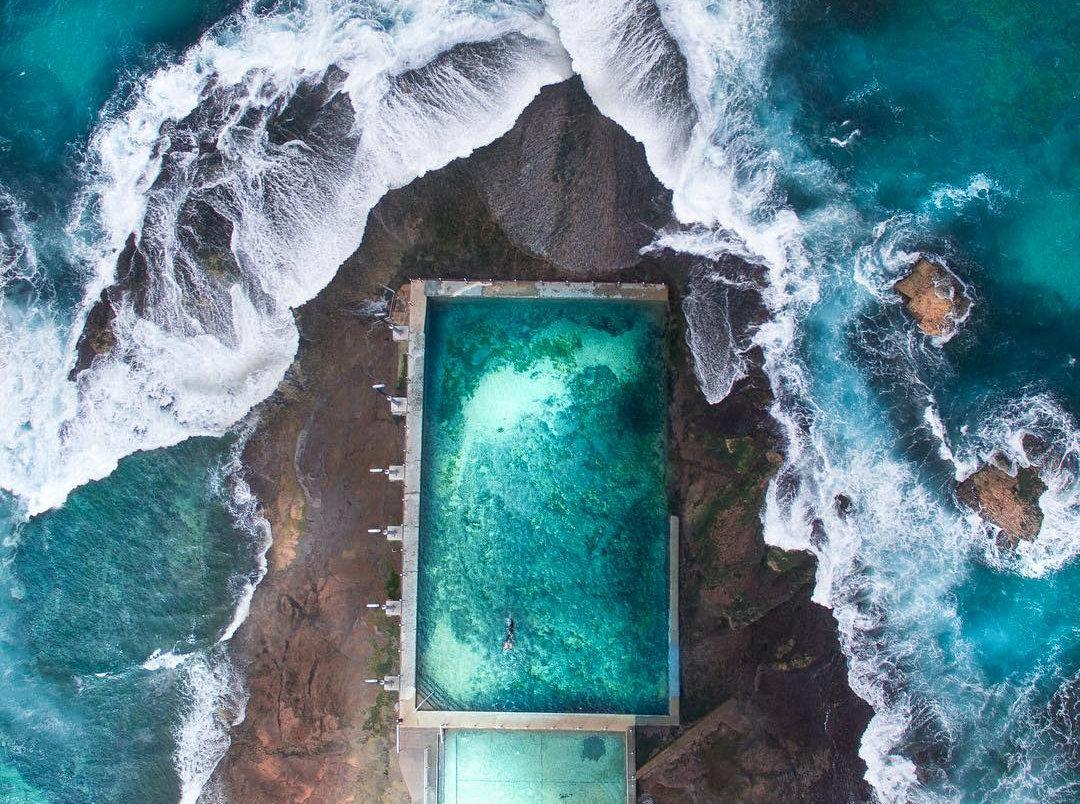 Молодой фотограф делает завораживающие абстрактные снимки береговой линии при помощи дрона