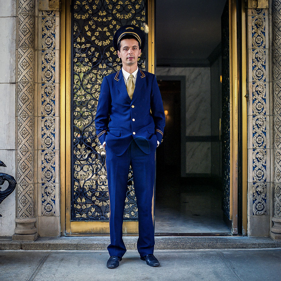 Фотопроект: портье — невидимые люди Нью-Йорка
