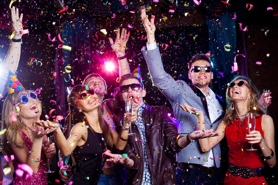 Праздник кутежа: о чем нужно помнить, если вы празднуете Новый год недома
