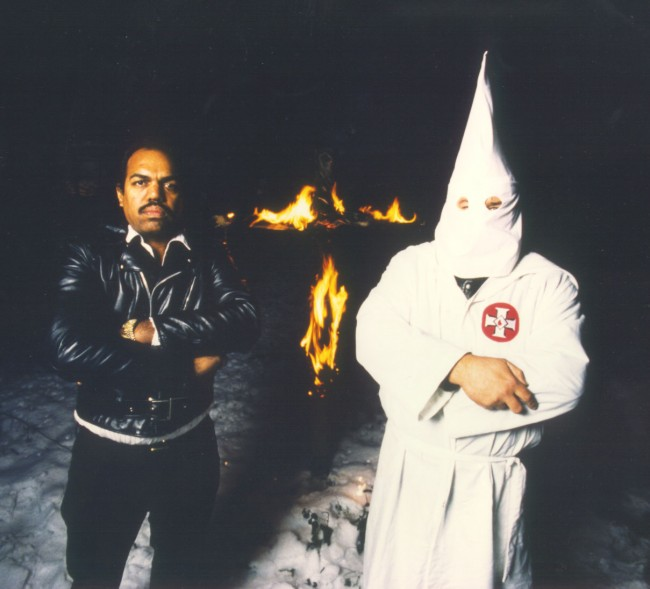 that-Daryl-Davis-a-black-musician-is-credited-with-dismantling-the-entire-KKK-network-in-Maryland