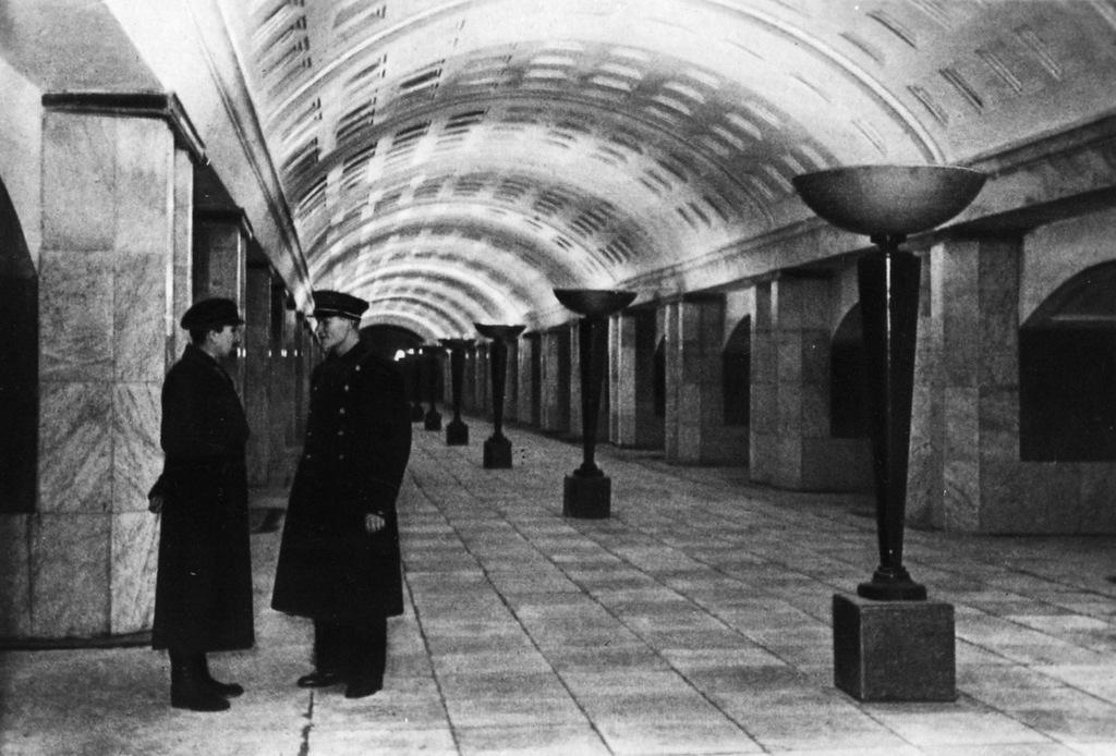 0 14da9b 4a536d35 XXL - Как выглядели первые станции московского метро в год их открытия