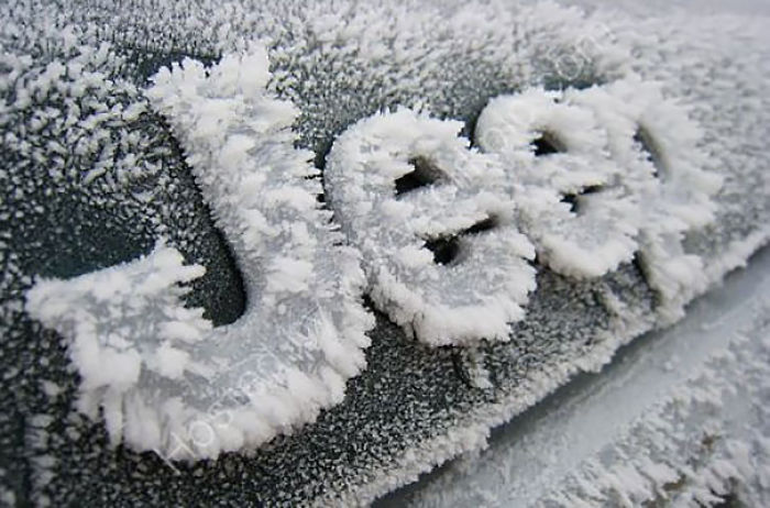 As frost turns the car into art