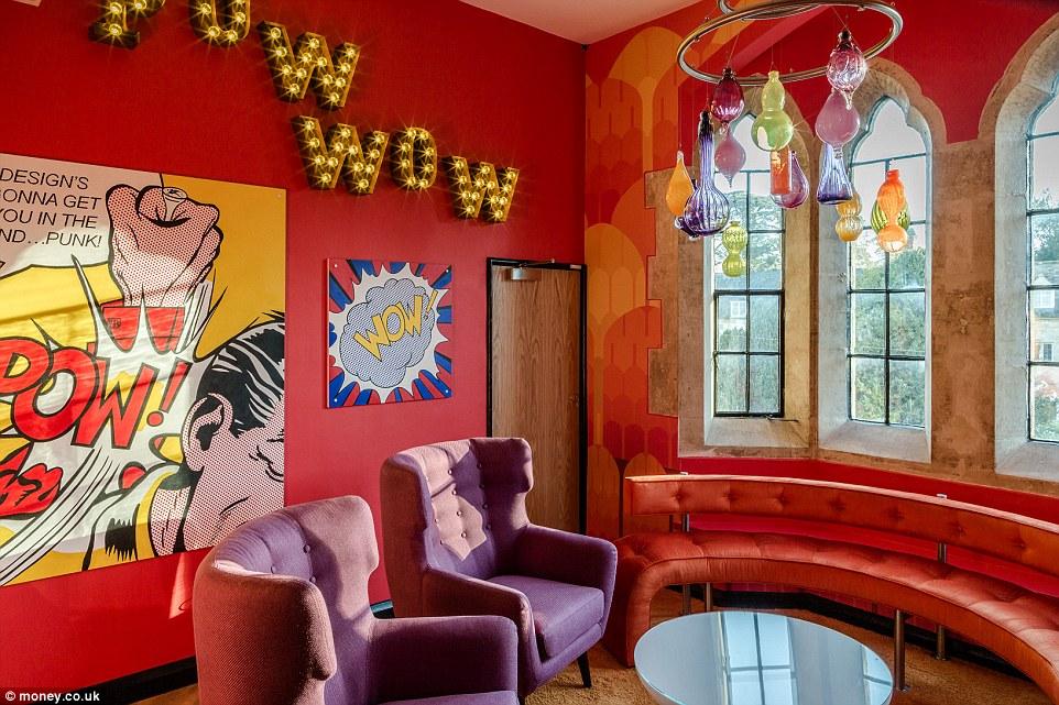 Бизнесмен переделал свой замок в Великобритании, чтобы сделать его лучшим офисом в стране