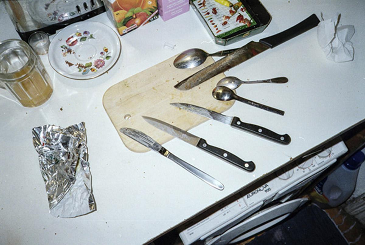 «Я хочу исчезнуть»: пугающе честный фотопроект о булимии