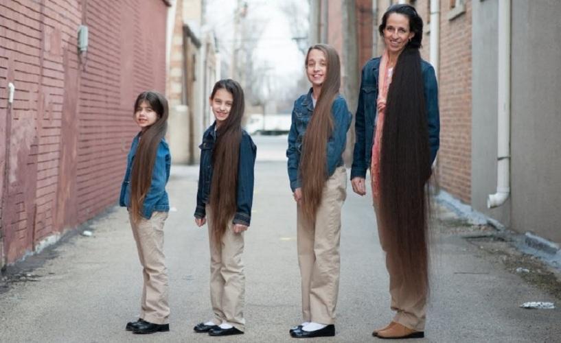 Картинки по запросу Эта женщина и три ее дочки по фамилии Рассел