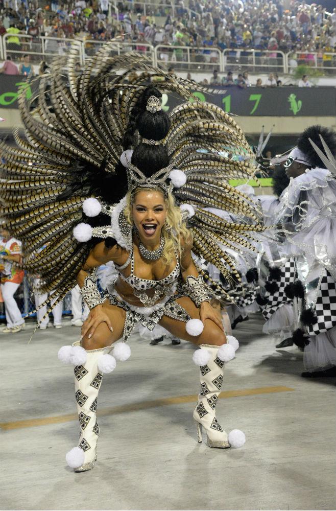 otkrovennie-foto-brazilskih-zhenshin