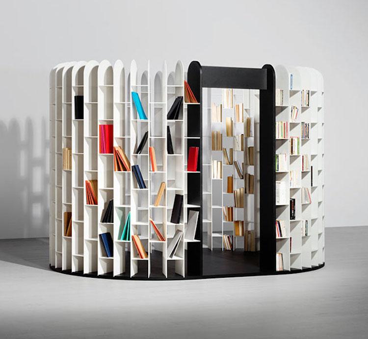 Креативные книжные шкафы, которые добавят изюминку в скучный.