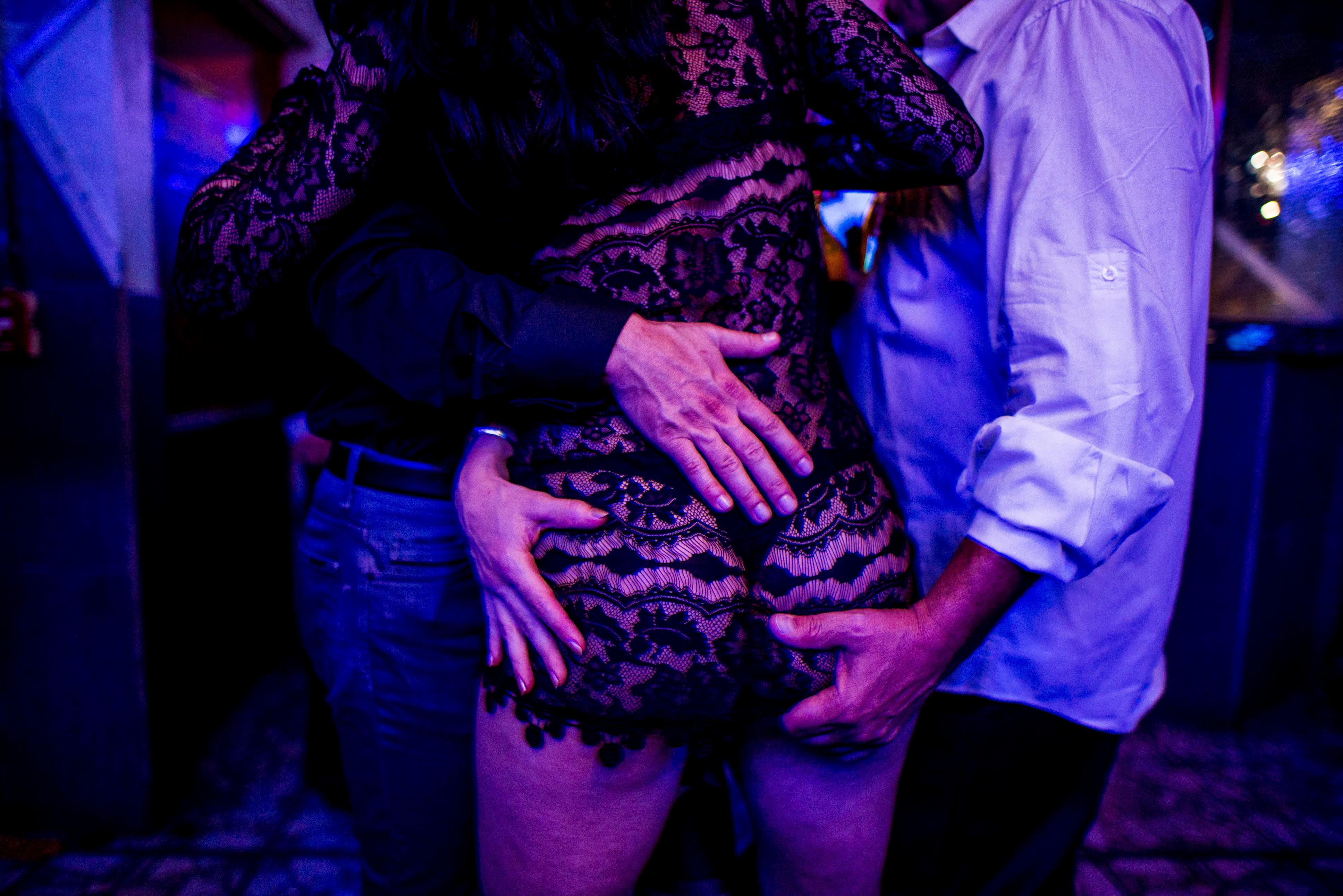 оргий в ночных клубах фото