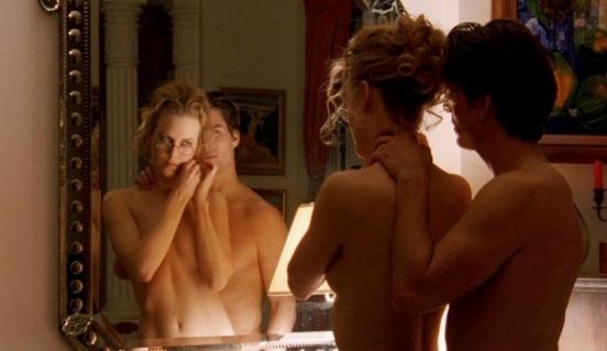 smotret-eroticheskiy-film-za-dveryu-spalni