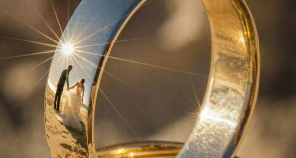 Фотограф нашел уникальный способ снимать свадьбы