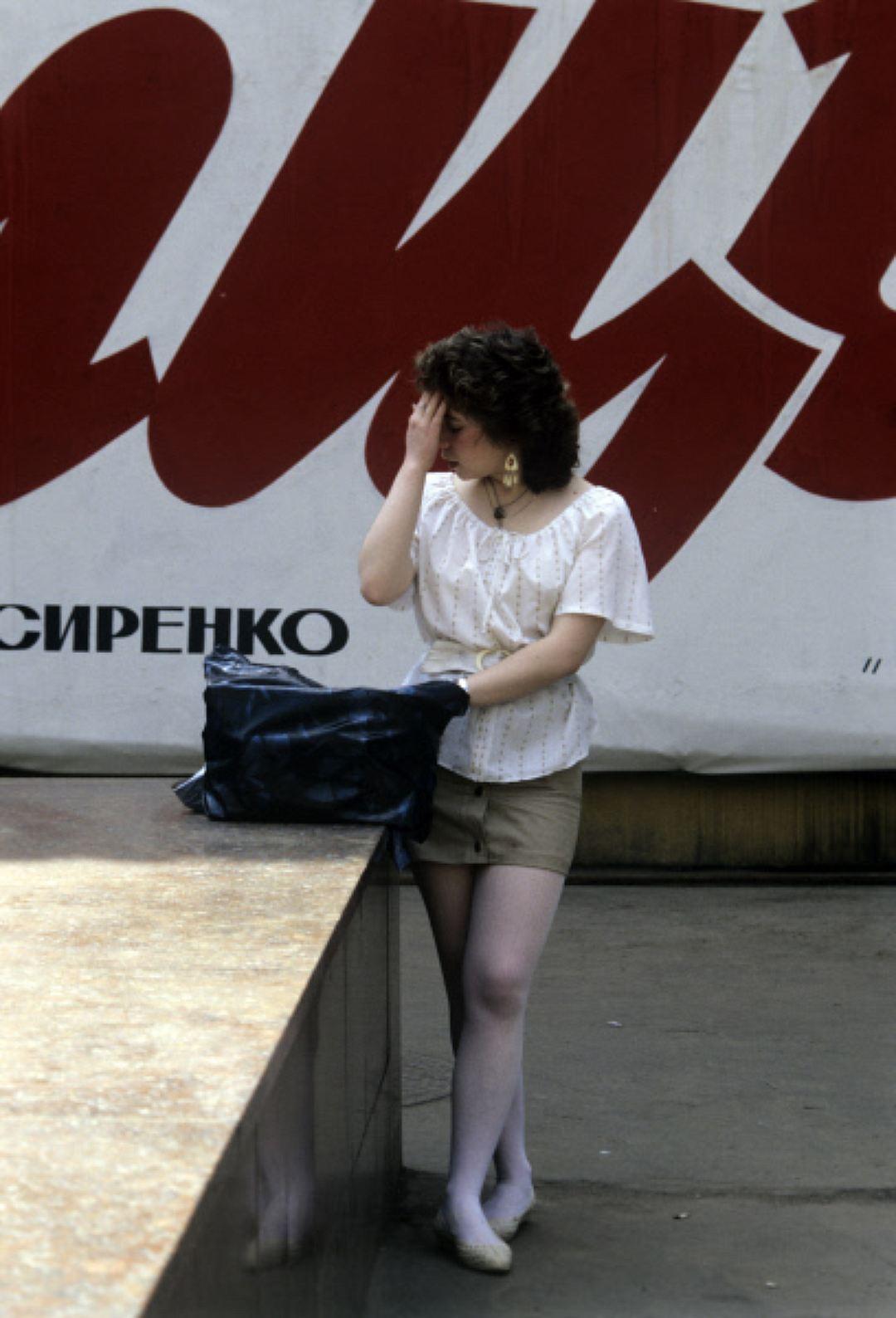 Танцы в лосинах и противогазе, смотреть самые лучшие лесби порно видео в мире