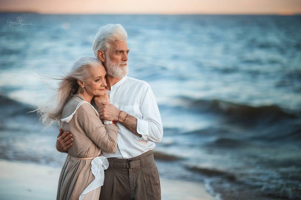 Красивая пожилая пара фотосессия