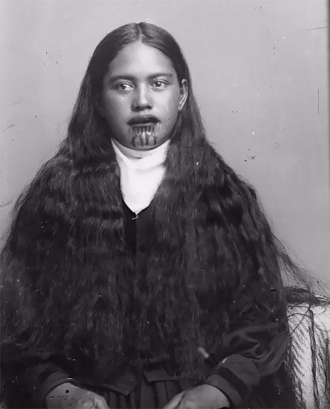 Татуировки налице— священная традиция женщин племени маори