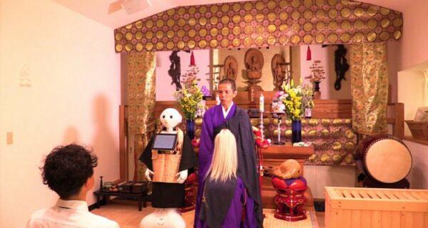 Буддийские роботы в Японии предлагают ритуальные услуги дешевле, чем священники