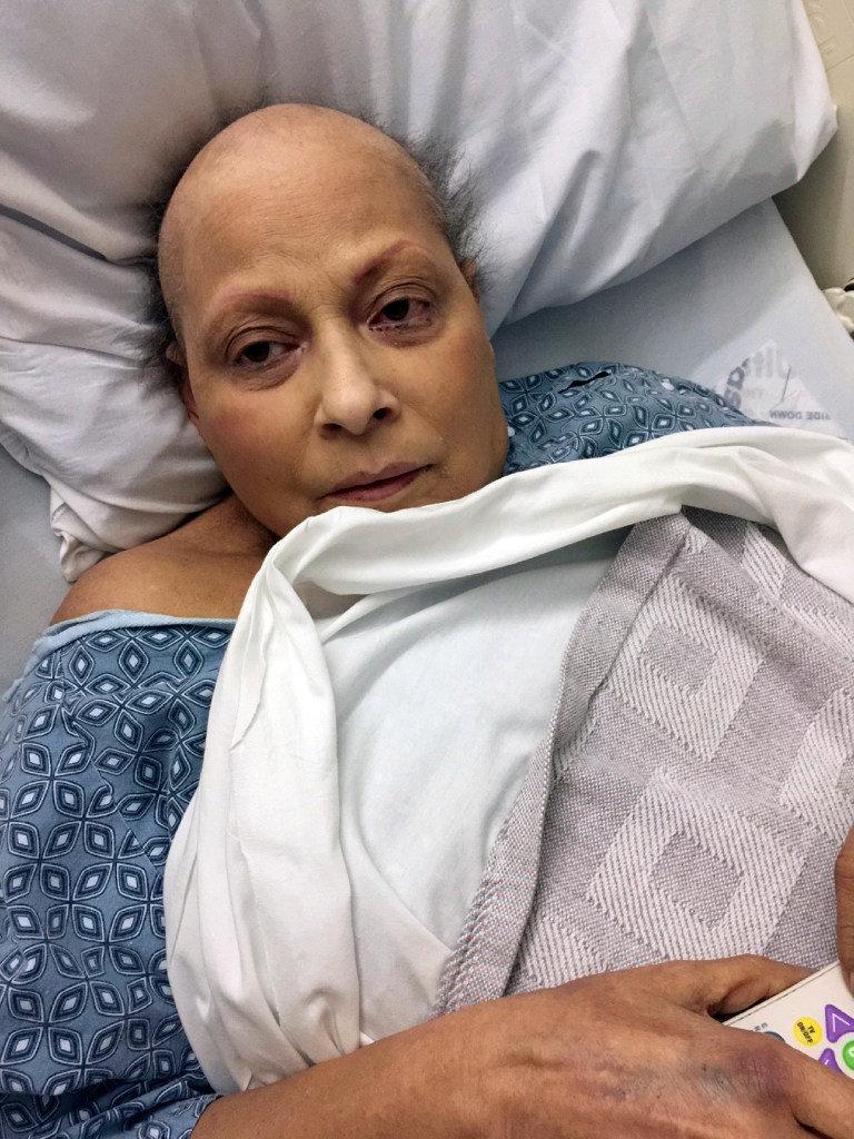 Она стоит раком