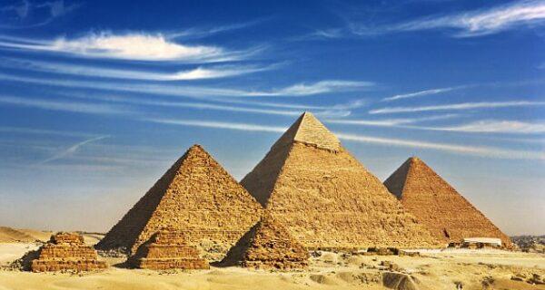Археологи раскрыли тайну строительства Великой пирамиды вГизе