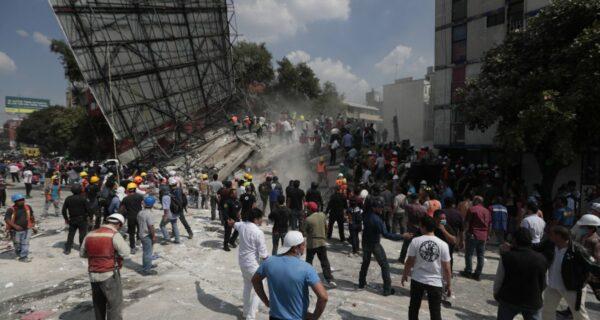 Сильнейшее землетрясение в Мексике магнитудой 7,1 унесло жизни более 226 человек