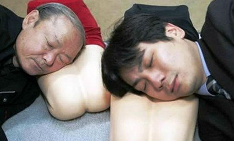 Извращения японских мущин в постеле