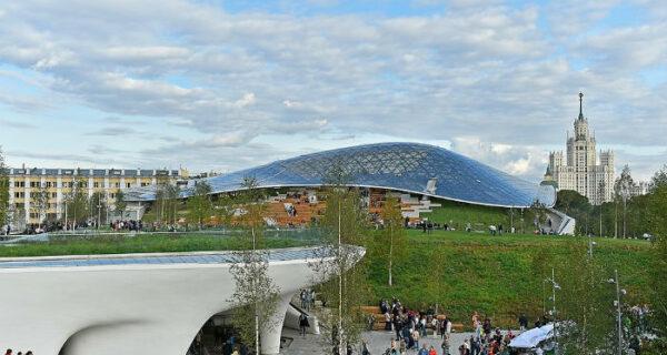 Новая жизнь «Зарядья»: как выглядит парк за 13 млрд, построенный на месте гостиницы «Россия»