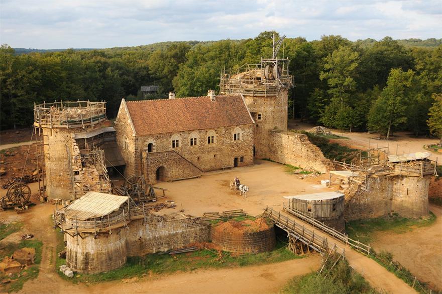 http://bigpicture.ru/wp-content/uploads/2017/09/building-13th-century-guedelon-castle-france-1-59c9fe3b04b5b__880.jpg