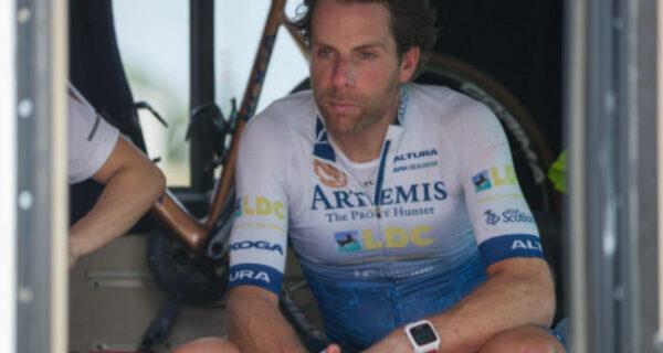 На двух колесах вокруг света: велосипедист установил мировой рекорд всего за 79дней