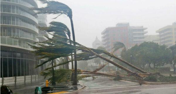 «Самый страшный ураган столетия» «Ирма» уже погубил 25 человек, и это только начало