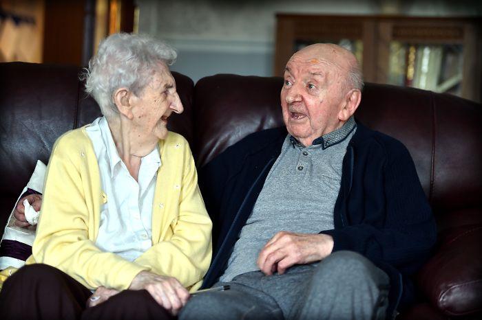Мать в доме престарелых дом престарелых в спб бесплатно государственные