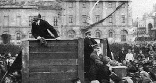 Ретушь во имя пропаганды: как Гитлер, Муссолини, Ленин и Мао убирали неугодных