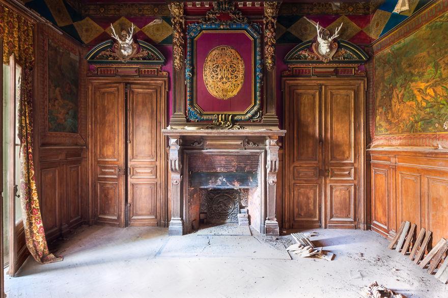 abandonedroom 1 59da2d2fe9853  880 - Осколки старой Франции: заброшенные здания невероятной красоты
