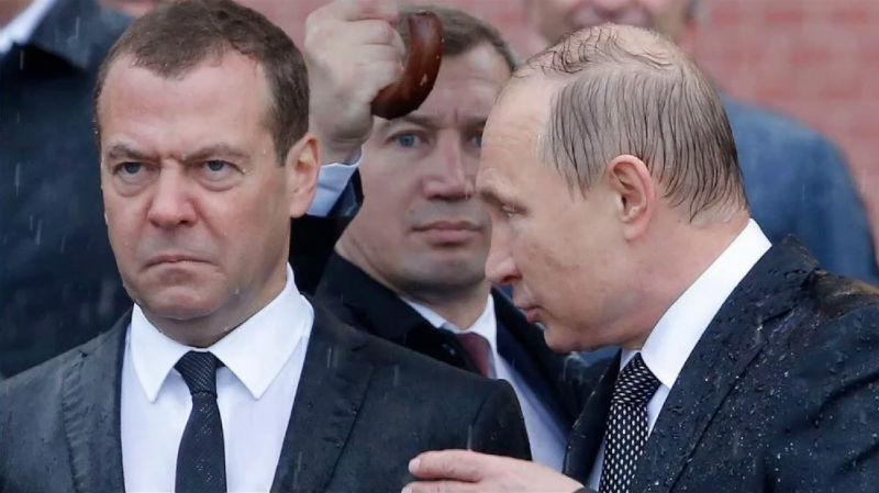 От «Путин краб» до «Пыни»: в Москве пройдет выставка мемов с президентом