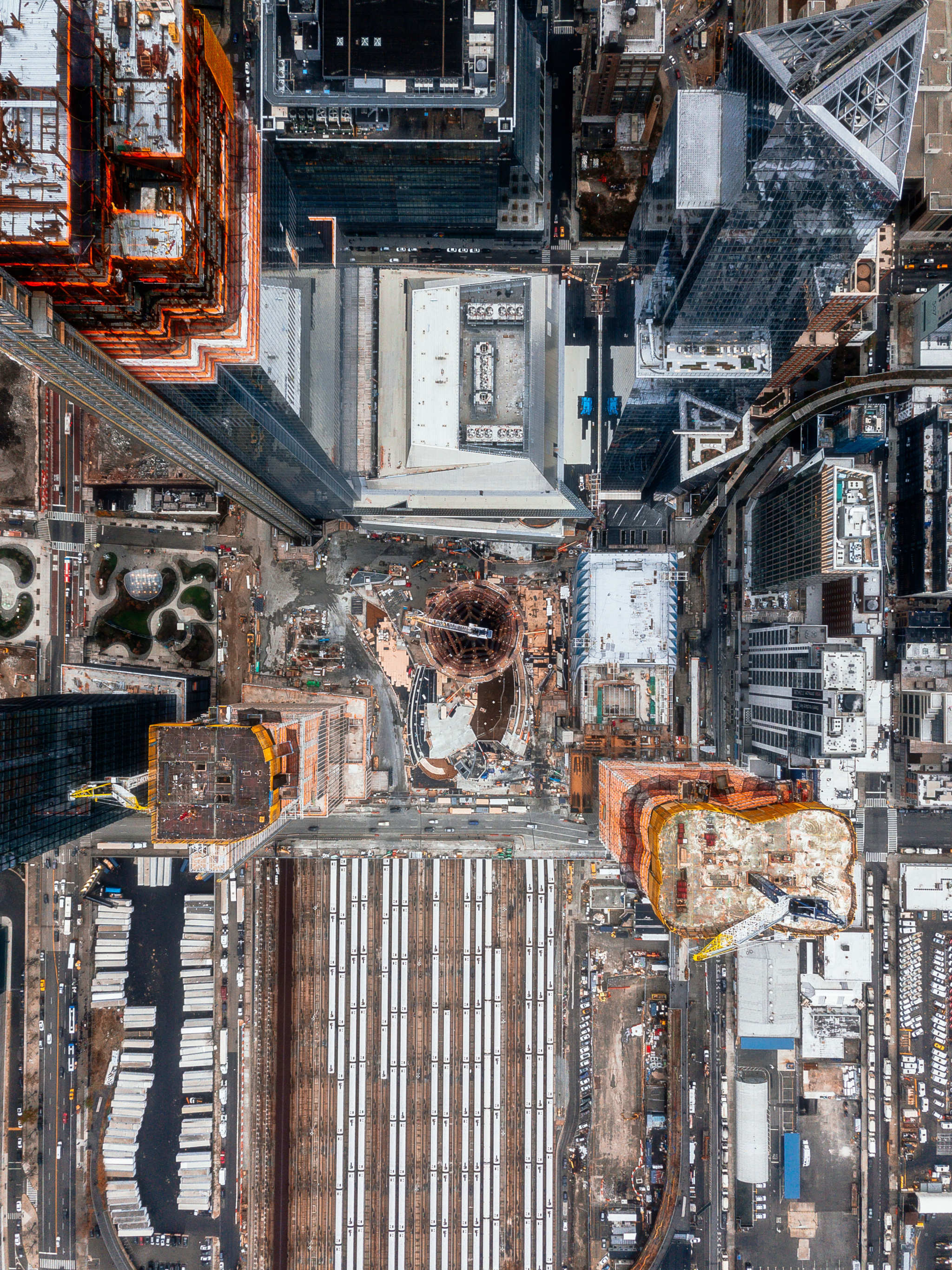 A self-taught photographer shoots new York from this perspective that his photos are making me dizzy