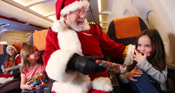 Новый год в небе: как авиакомпании поздравляют пассажиров