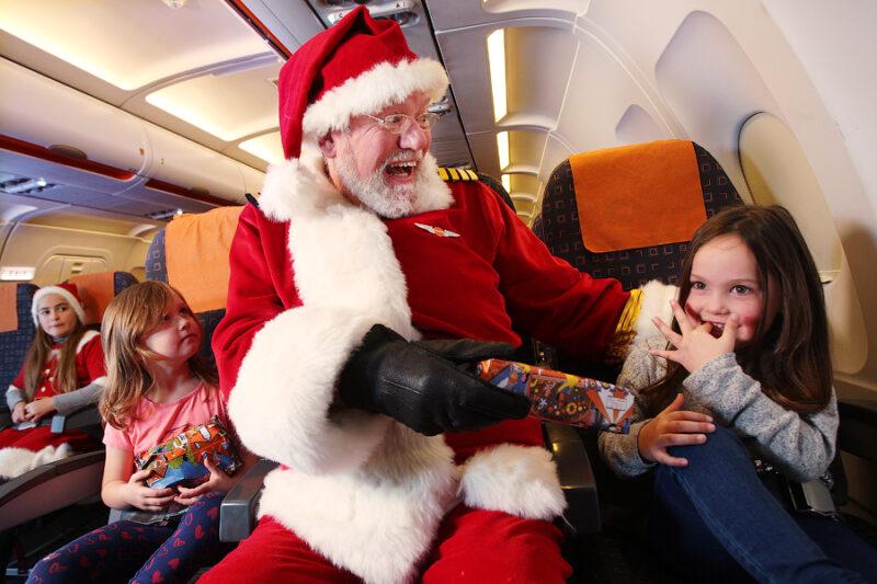 Новый год в небе: как авиакомпании поздравляют пассажиров, фото-1