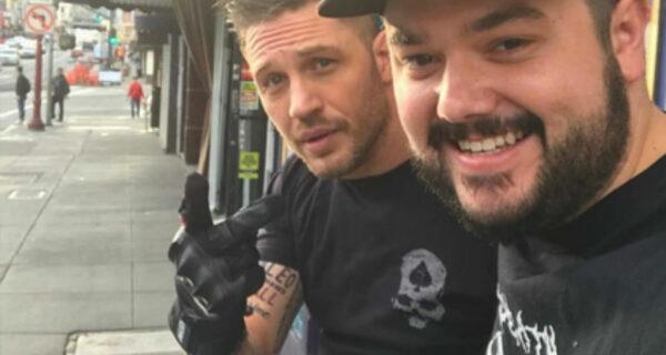 Спор — дело чести: Том Харди сделал татуировку с именем Леонардо Ди Каприо
