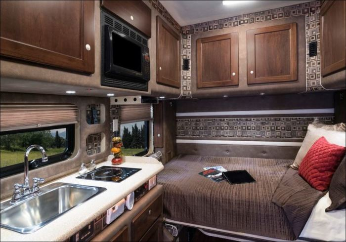 American truckers equip their trucks are not worse than luxury apartments
