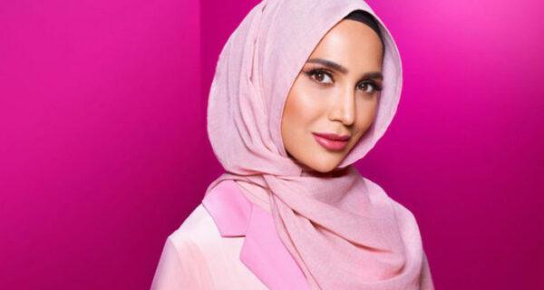 Компания L'Oreal Paris продвигает средства для волос снимком девушки в хиджабе