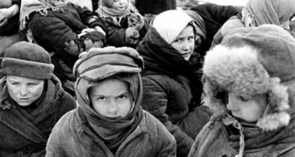 Подвиг советского шофера: как Максим Твердохлеб доставил мандарины детям блокадного Ленинграда