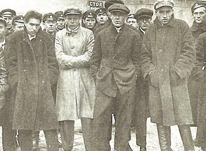 «Черные мстители»: банда, которая держала в страхе всю Москву фото
