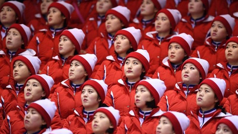 TOPSHOT - North Korean cheerleaders atte