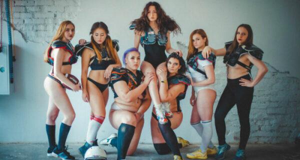 Девушки из дальневосточной команды по американскому футболу снялись полуголыми, но нашлись недовольные