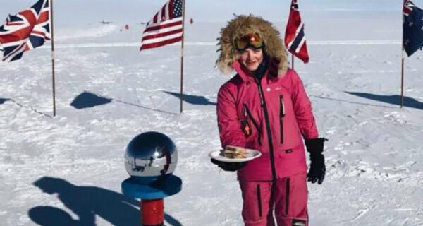 «Забери-ка свой сэндвич с Южного полюса»: эпичный ответ 16-летней покорительницы Антарктики на обидный комментарий тролля