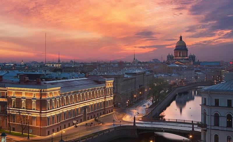Город на Неве вздохнет свободно: Петербург снимает ряд ограничений из-за коронавируса