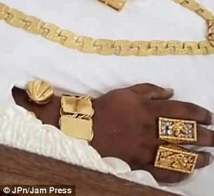 Золотой гроб, шампанское и драгоценности: как провожали в последний путь миллионера из Тринидада