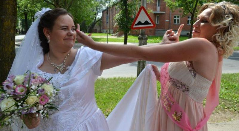Во время свадьбы напилась — 12