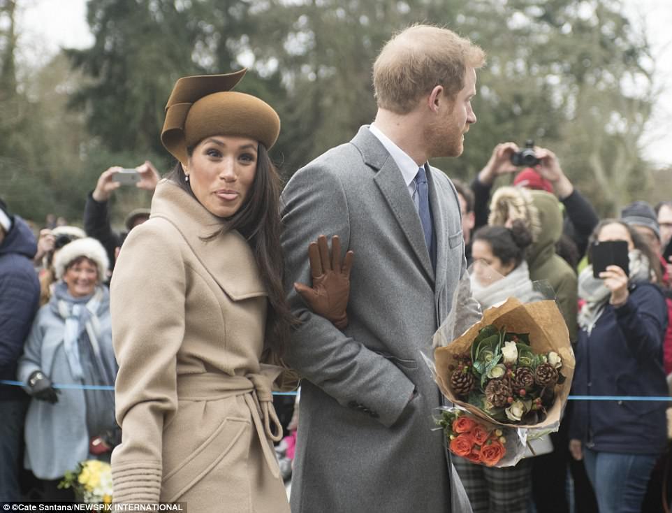 10 королевских нельзя: что Меган Маркл не сможет больше делать после свадьбы Меган, Нельзя, семьи, королевской, Гарри, королевских, только, принца, прошлом, должна, играть, носить, чтобы, Маркл, примеру, запрещено, слова, Елизавета, такой, могут